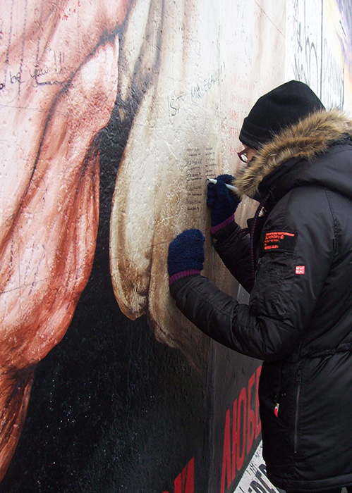 signing the wall